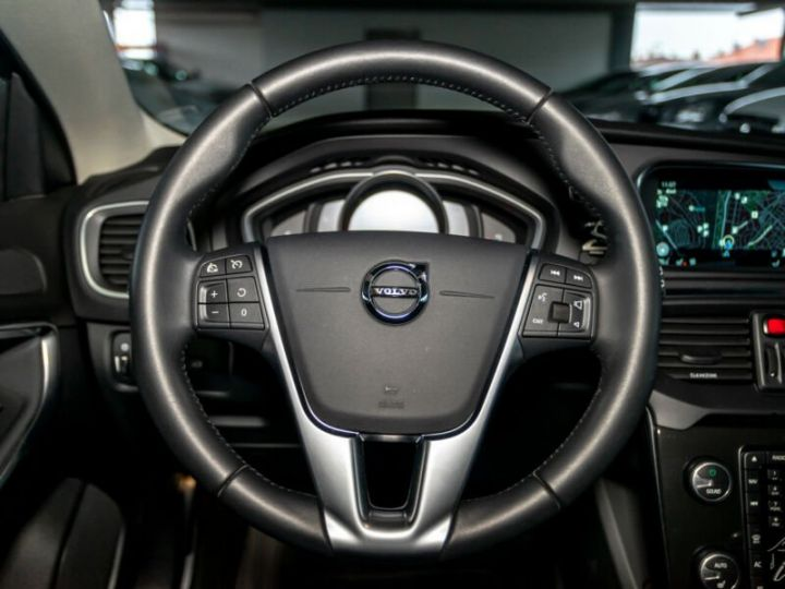 Volvo V40 #  D4 Momentum # 1ere Main # 29761Kms # Gris Peinture métallisée - 10