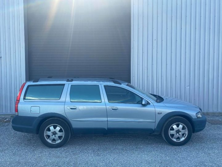 Volvo V70 CROSS COUNTRY Cross Country 2.4 L T AWD  Grise - 3