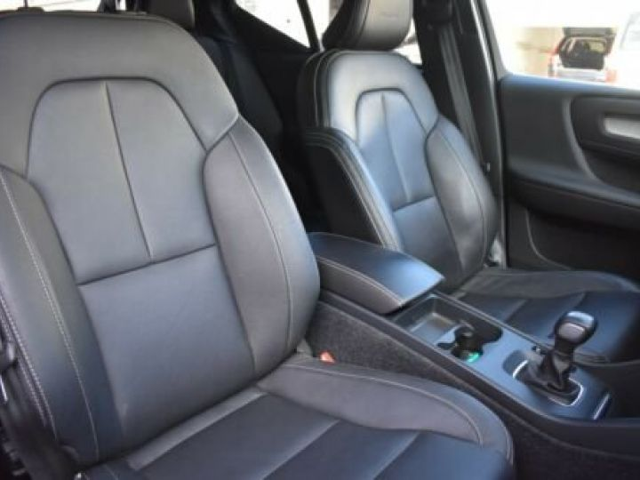 Volvo XC40 T3 INSCRIPTION BLEU - 13