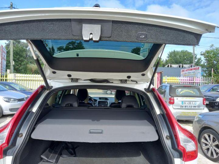 Volvo XC60 2.4D 175 R DESIGN  - 11