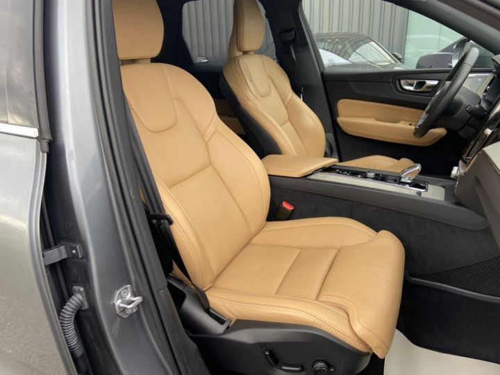 Volvo XC60 B5 AWD 235ch INSCRIPTION LUXE GEARTRONIC 8 GRIS FONCE - 14