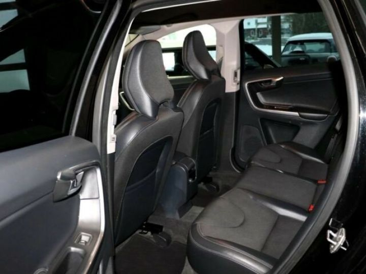 Volvo XC60 D3 2,0 Diesel DPF Automatik Noir Peinture métallisée - 6