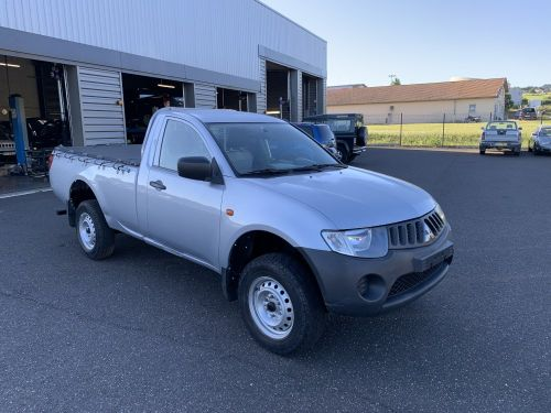 Mitsubishi L200 2.5 DID 136 CV Simple cabine Invite