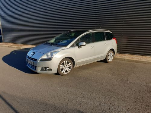 Peugeot 5008 2.0 hdi 163 allure bva 6. 7 places