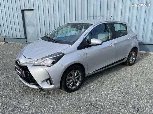 Toyota Yaris hybrid 100h dynamic business