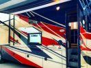 Camión Volvo Thor Motor Coach Outlaw 37 Gris Peinture métallisée - 2