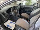 Hyundai i20 1.1 CRDI 75 INTUITIVE Gris F  - 8
