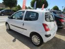 Renault Twingo 1.2 60CH AUTHENTIQUE Blanc  - 3