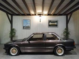 BMW Série 3 E30 325I 170 CV  Occasion