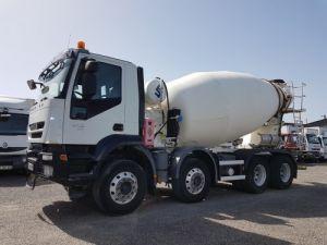 Camion porteur Iveco Trakker Malaxeur 410 EEV 8x4 FRUMECAR 9m3 Occasion