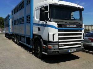 Camión Scania Transporte de ganado PORTEUR ET REMORQUE BETAILLIERE Occasion