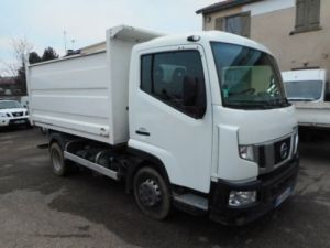 Chassis + body Nissan NT500 Back Dump/Tipper body Occasion