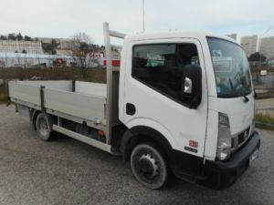 Chassis + body Nissan Cabstar Platform body 35.13 PLATEAU 3.90M Occasion