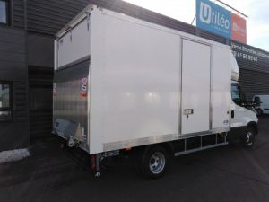 Chassis + carrosserie Iveco Daily Caisse fourgon + Hayon élévateur Neuf