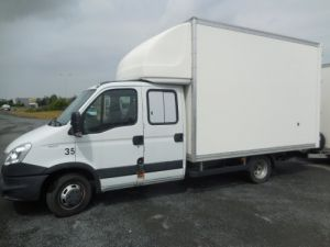 Commercial car Iveco Box body 35C17 Occasion
