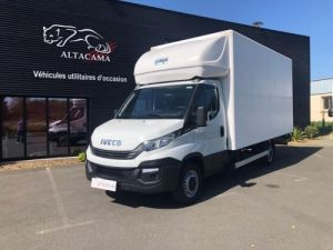 Light van Iveco Box body + Lifting Tailboard Occasion