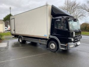 Light van Mercedes Atego Box body + Lifting Tailboard 1218 FOURGON 43 m3 HAYON RABATTABLE PORTE LATERALE COULISSANTE  Occasion