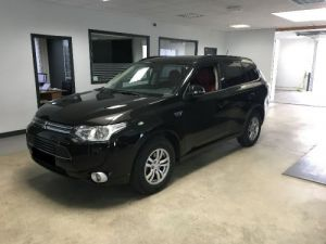 Mitsubishi OUTLANDER HYBRIDE RECHARGEABLE INSTYLE