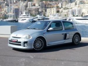 Renault Clio II V6 24S 230 RS 3P Vendu