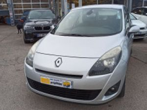 Renault Grand Scenic renault scenic III 1.5 DCI 105 EXPRESSION 7 PL Occasion
