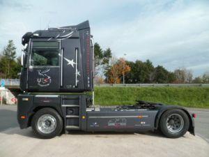 Tractor truck Magnum VEGA Occasion