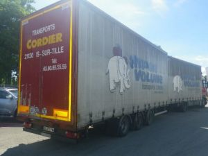 Trailer Merker Curtain side body Occasion