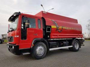 Trucks Volvo FL Fuel tank body 220.15 Occasion