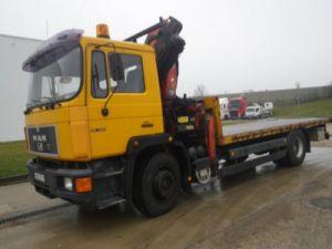 Trucks Man F2000 Platform body + crane Occasion